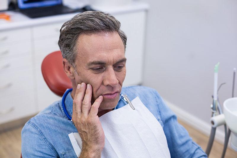擔心植牙會痛嗎?專科醫師解惑你的疑問